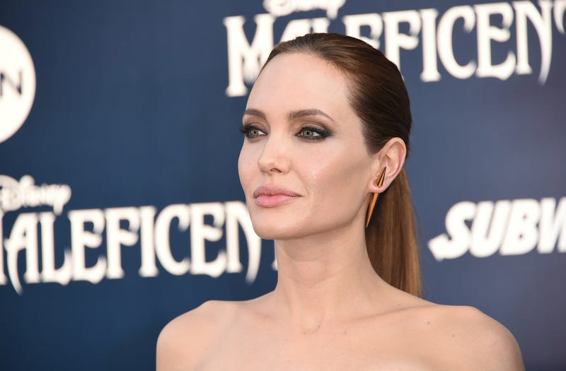 Angelina Jolie Sues the Daily Mail Over Heroin Video
