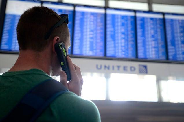 FAA Firebug Brings Chicago Air Traffic to a Halt