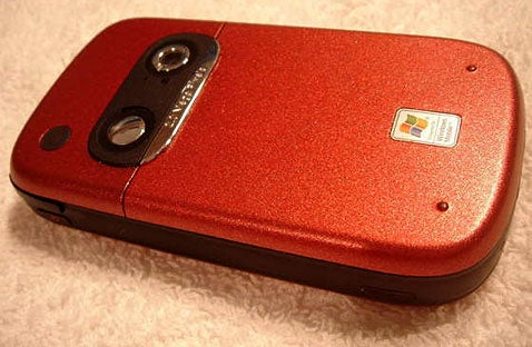 Make That Old Cellphone Look like New by Painting It Yourself
