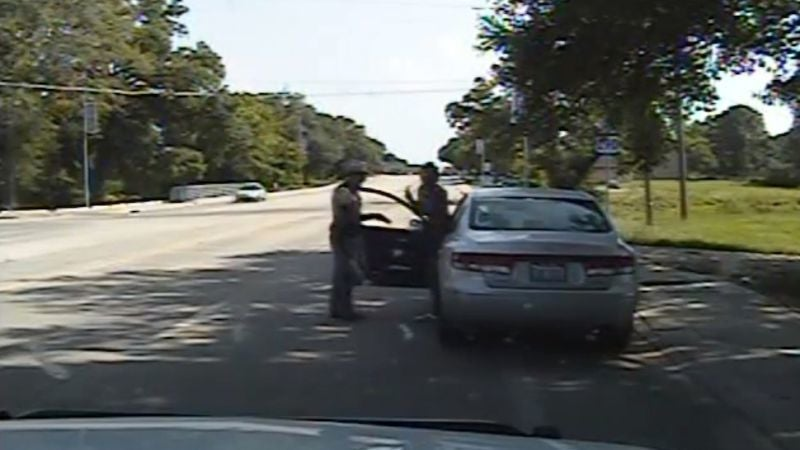 Guard Reportedly Falsified Records in Bizarre Jailhouse Death of Sandra Bland