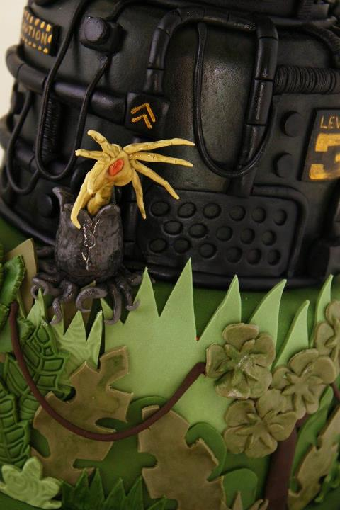 This Alien versus Predator wedding cake is disturbingly adorable