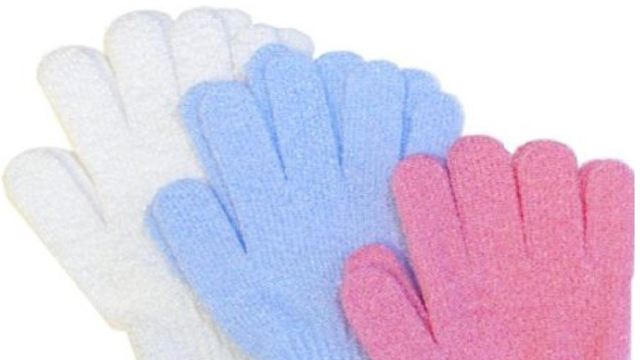 Use Exfoliating Bath Gloves to Clean Fruits and Vegetables