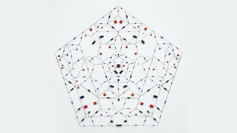 Giant Electronic Circuits Make Wonderfully Geeky Art