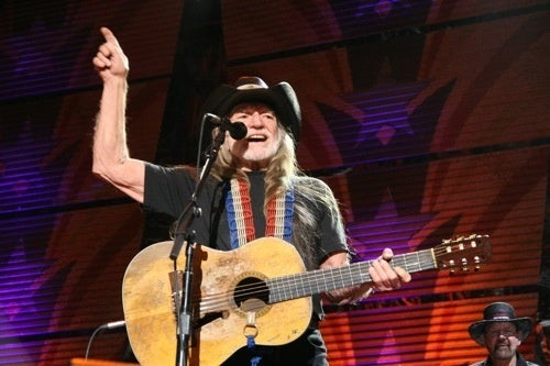 "Willie Nelson ""Addicted"" To A Video Game"