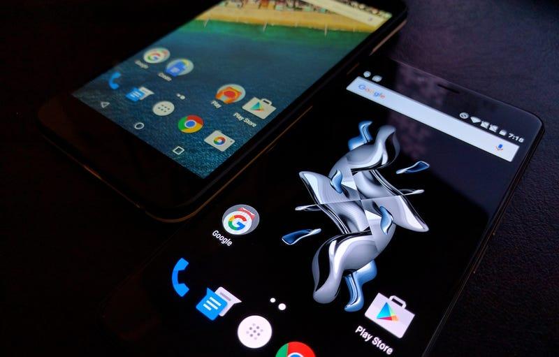 Slim Pocket Showdown: The Google Nexus 5X vs the OnePlus X