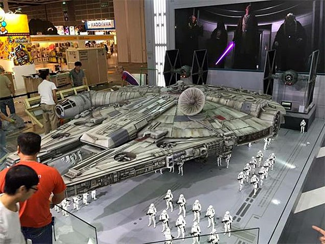 This Is What a Monstrous 18-Foot Long Millennium Falcon Toy Looks Like
