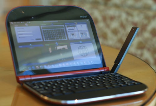 Lenovo Skylight Hands On: The Frisbee Smartbook