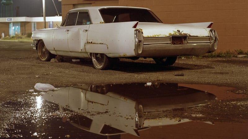 """""""The Old Cars"""" Is A Beautiful Photo Book About Old Cars We Love"""