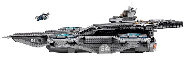 The Lego SHIELD Helicarrier is real and amazing