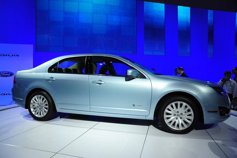 2010 Ford Fusion Pricing Starts Under $19,300, Hybrid At $27,270