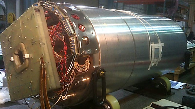 These Quadpole Super Magnets Will Increase the LHC's Power Tenfold