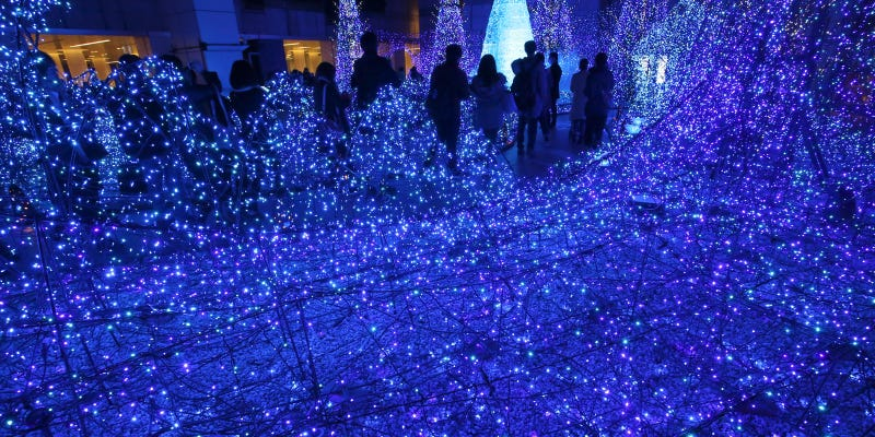 This Light Show in Tokyo Is Bewilderingly Pretty