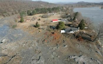 Massive Flood of Toxic Ash Swallows Tennessee Area, Heads to Mississippi River