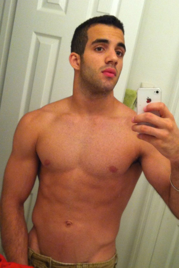 U.S. Gymnast Danell Leyva Has A Habit Of Sending Half-Naked Photos Of Himself To Women [Kinda NSFW]