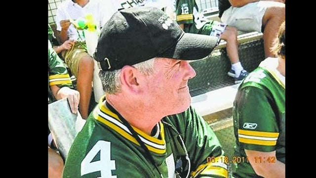 Gird Your Loins, Green Bay: Some Dude Is Running Around Town Pretending To Be Brett Favre