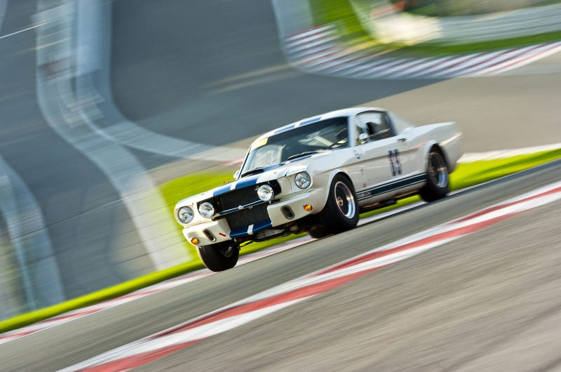 Your ridiculously awesome vintage Shelby wallpaper is here