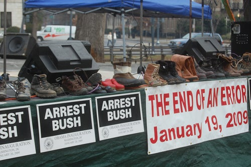 Throwing Shoes at Bush Now an All-American Protest