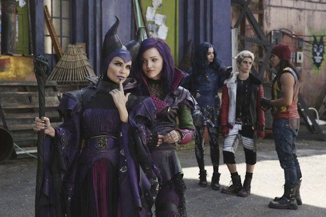 Kristin Chenoweth Looks Delightfully Campy As Descendants' Maleficent