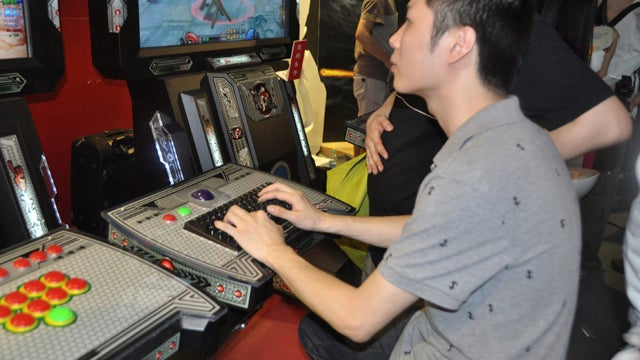 A Chinese Arcade Cabinet Built for RPGs