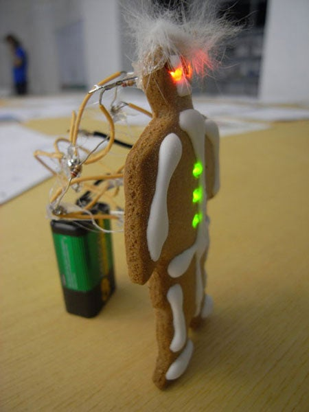 LED Gingerbread Mixes Technology with Diabetic Comas