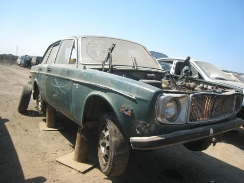 Fuel Injection Couldn't Keep This Volvo 144E From The Crusher