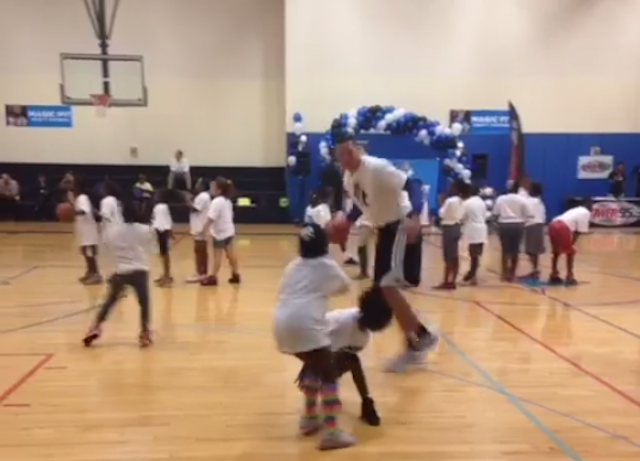 Aaron Gordon Crosses A Little Girl To The Ground, Flees The Scene