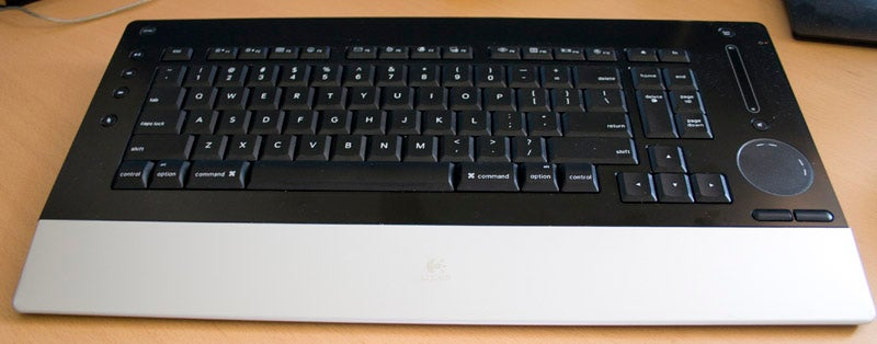 Lightning Review: Logitech DiNovo Edge Keyboard Mac Edition
