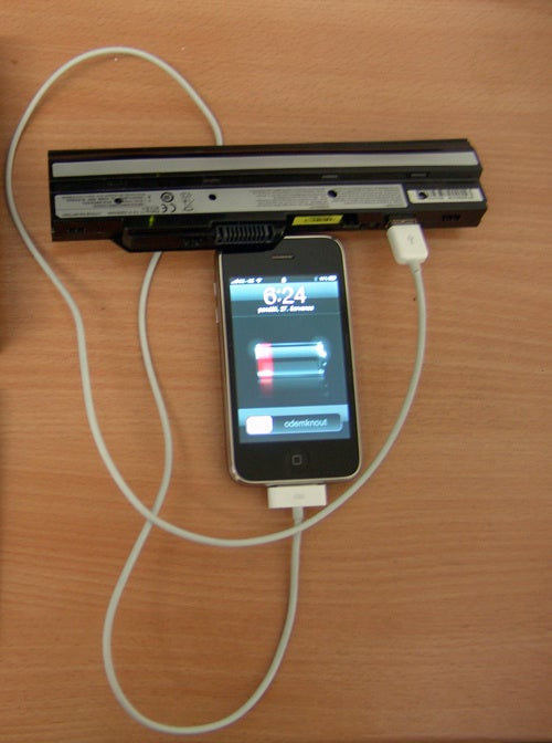 Convert a Netbook Battery Into an iPhone Battery