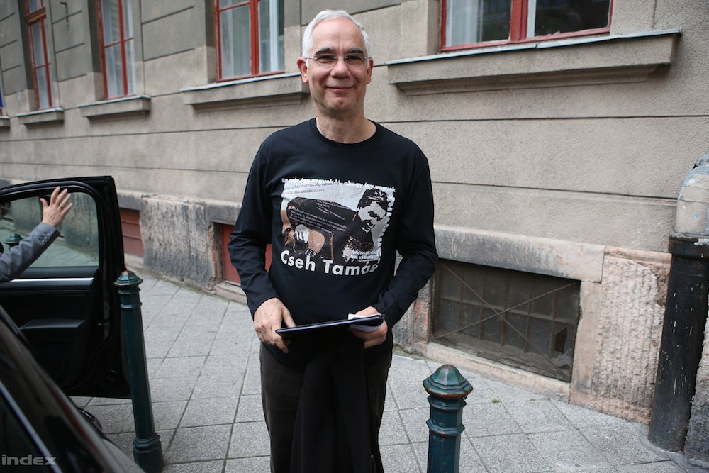 A nap képén a Cseh Tamás-pólós Balog Zoltánt figyelhetitek meg