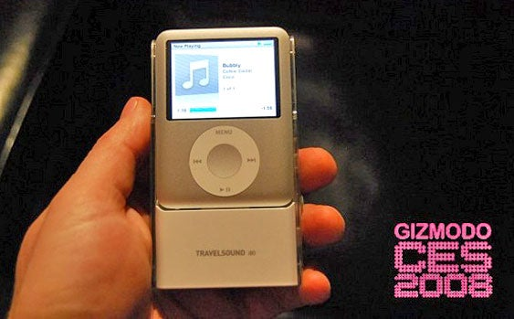 Creative TravelSound i80, a Tight-Fitting Home for iPod nano