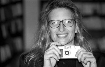 Annie Leibovitz Looking Like a Deadbeat