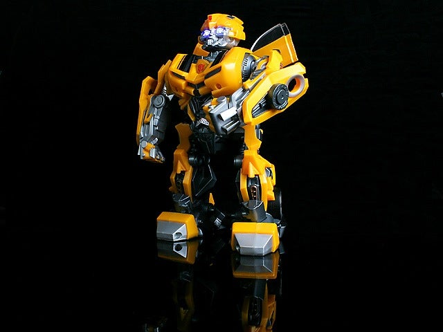 Bumblebee Speaker Dances, Mixes Music with Transformers SFX
