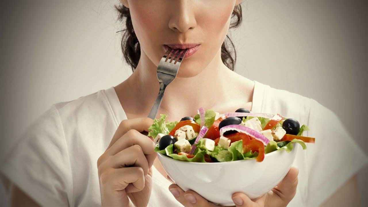 אכילה בריאה של מזון אורגני או הידרופוני - מה עדיף?