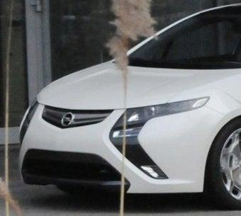 2010 Opel Ampera Spied