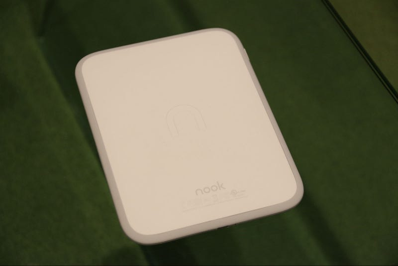 Barnes and Noble's New Nook GlowLight Is White, Light, and Bright
