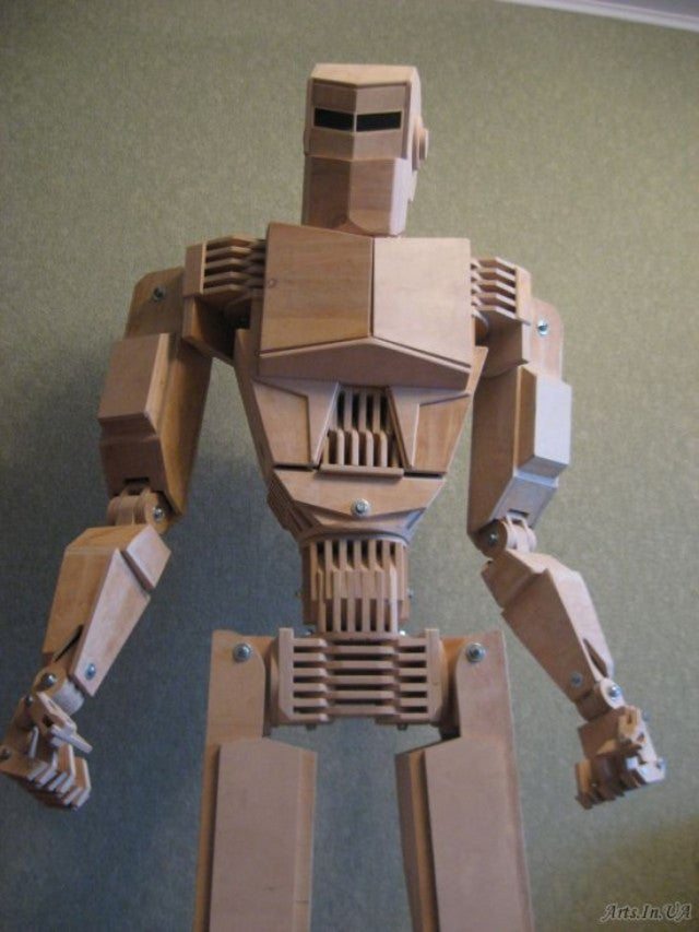 A life-sized Cylon made out of wood