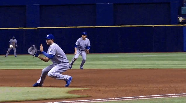 Kevin Kiermaier Hit A Liner Straight Through Eric Hosmer's Glove