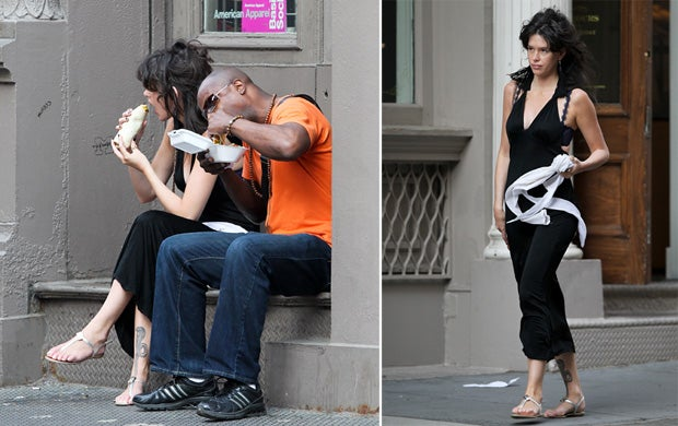 Paz de la Huerta Eats Burrito While Showing Bra