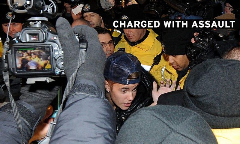 Justin Bieber Surrenders to Toronto Police