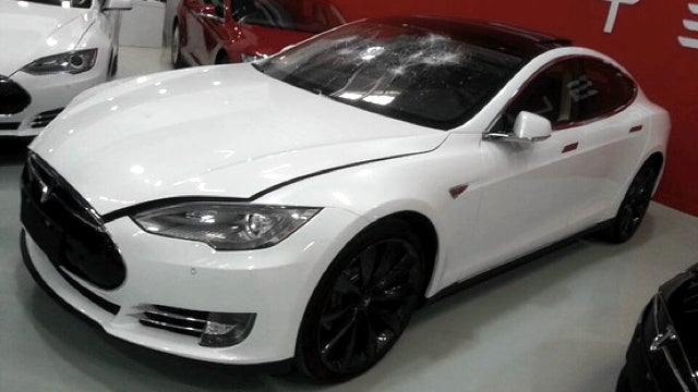 ​Smashed Tesla Model S Latest Victim In Chinese Publicity Stunts