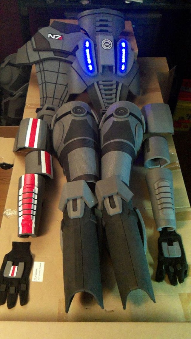 This Custom-Made Mass Effect Armor Is Impressively Detailed... And Impressively Expensive
