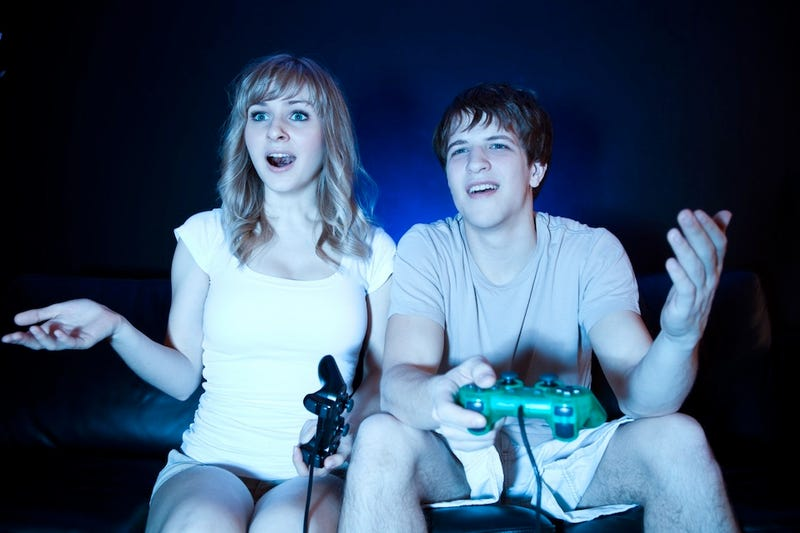 Fake Gamers of the Week: A Couple Too Beautiful For This World