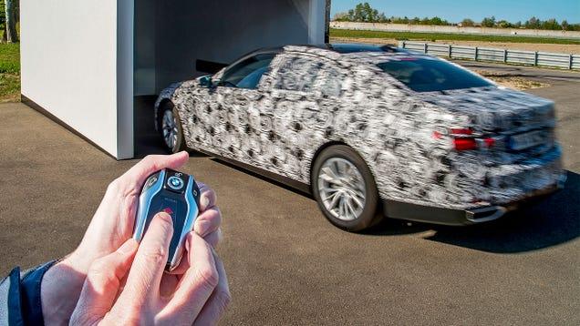 Apretado Spoth el Nombre de La Marca Nuevo BMW Serie 7 Podria Propio Parque con Nadie dentro del Coche