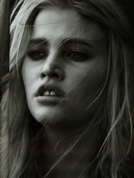 French Vogue: All Lara Stone, All The Time