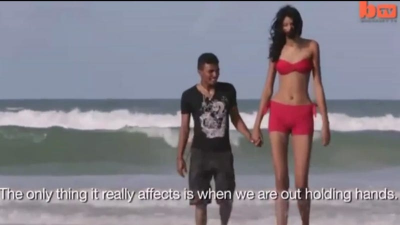"The World's Tallest Teen Girl, Elisany Silva, Has a 5'4"" Boyfriend"