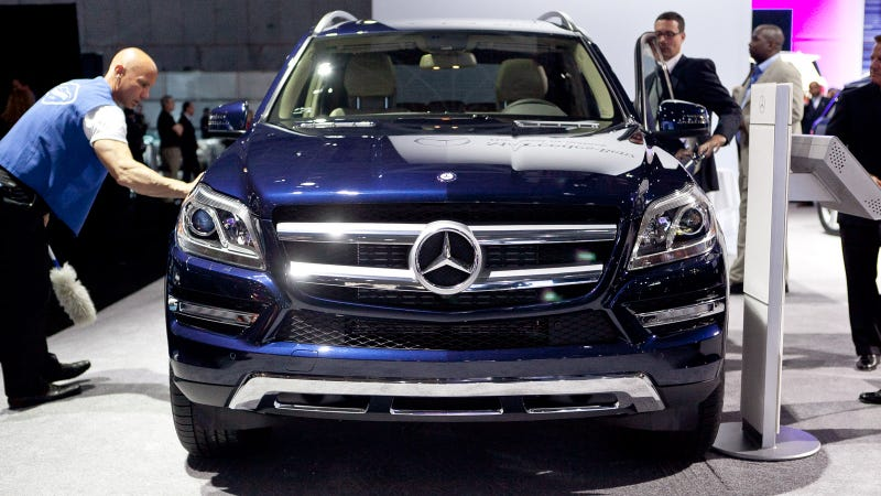 2013 Mercedes GL: Live Photos
