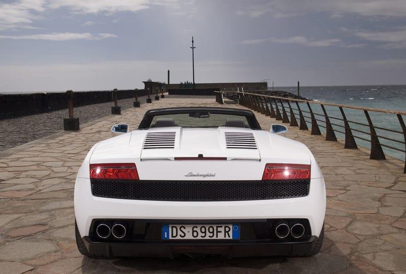 Lamborghini Gallardo LP560-4 Spyder: A Poseur Bull?