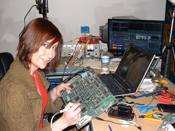 MacGyver of the Day: Electronics Hacker Jeri Ellsworth