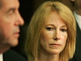 Natalee Holloway's Mom Sneaks Into Prison To See Van Der Sloot