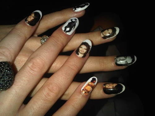 Katy Perry Puts Pics Of Her Man All Over Her Manicure